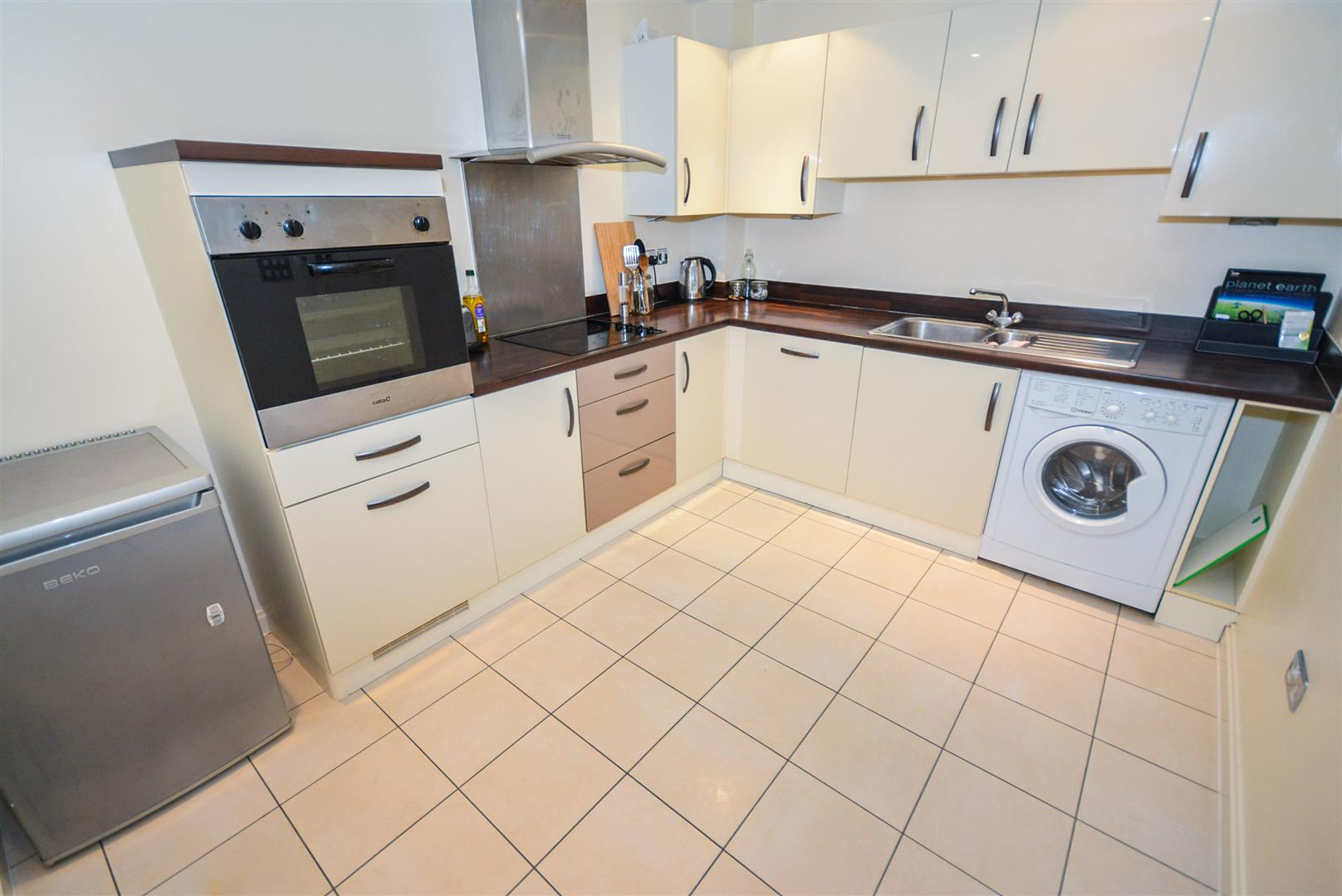 1 bed apartment for sale in Chandlery Way, Cardiff 1