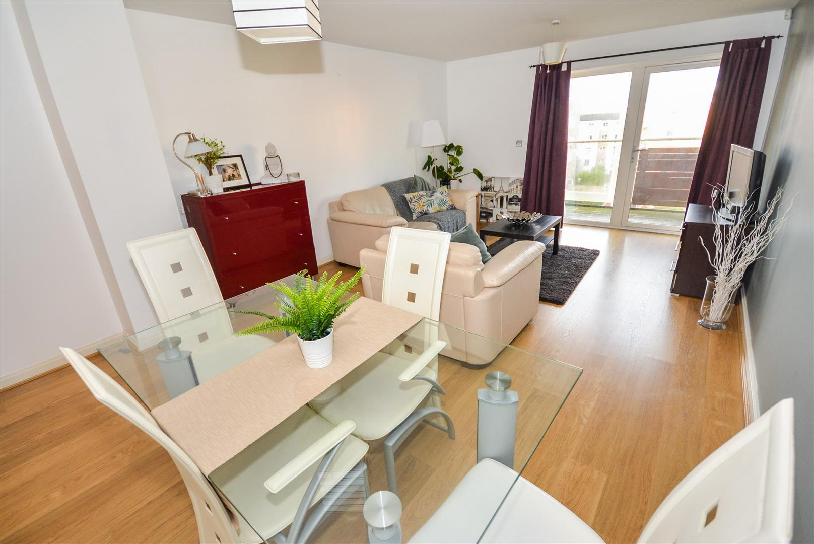 1 bed apartment for sale in Chandlery Way, Cardiff 4