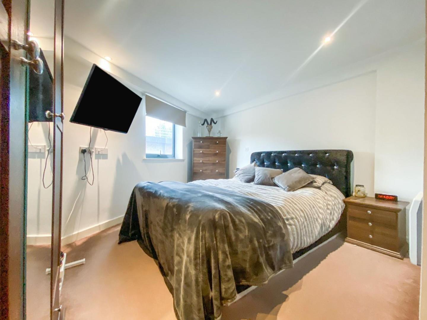 2 bed apartment for sale in Atlantic Wharf, Cardiff 7