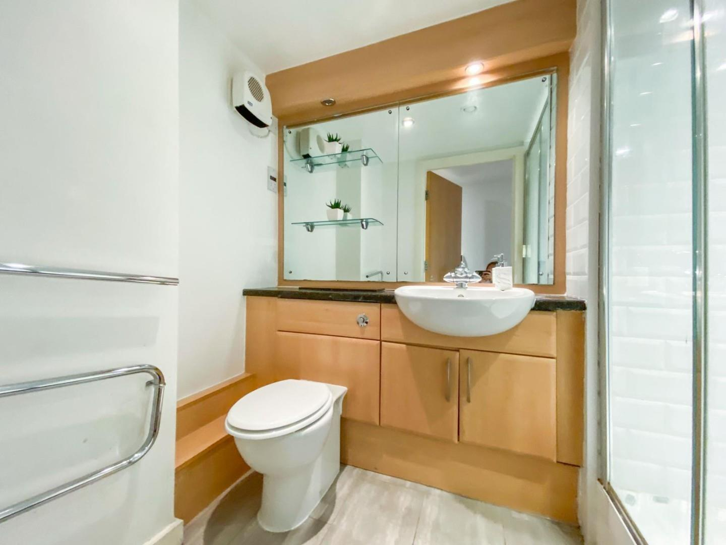 2 bed apartment for sale in Atlantic Wharf, Cardiff 6