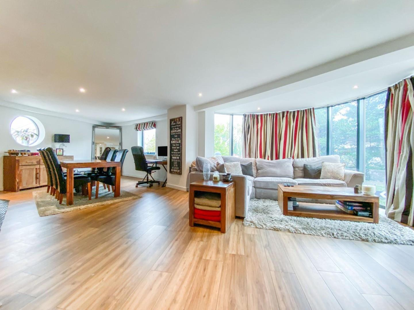 2 bed apartment for sale in Atlantic Wharf, Cardiff  - Property Image 1