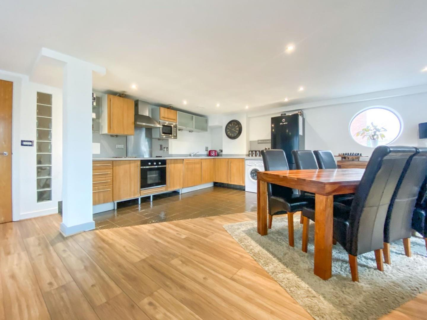 2 bed apartment for sale in Atlantic Wharf, Cardiff 3