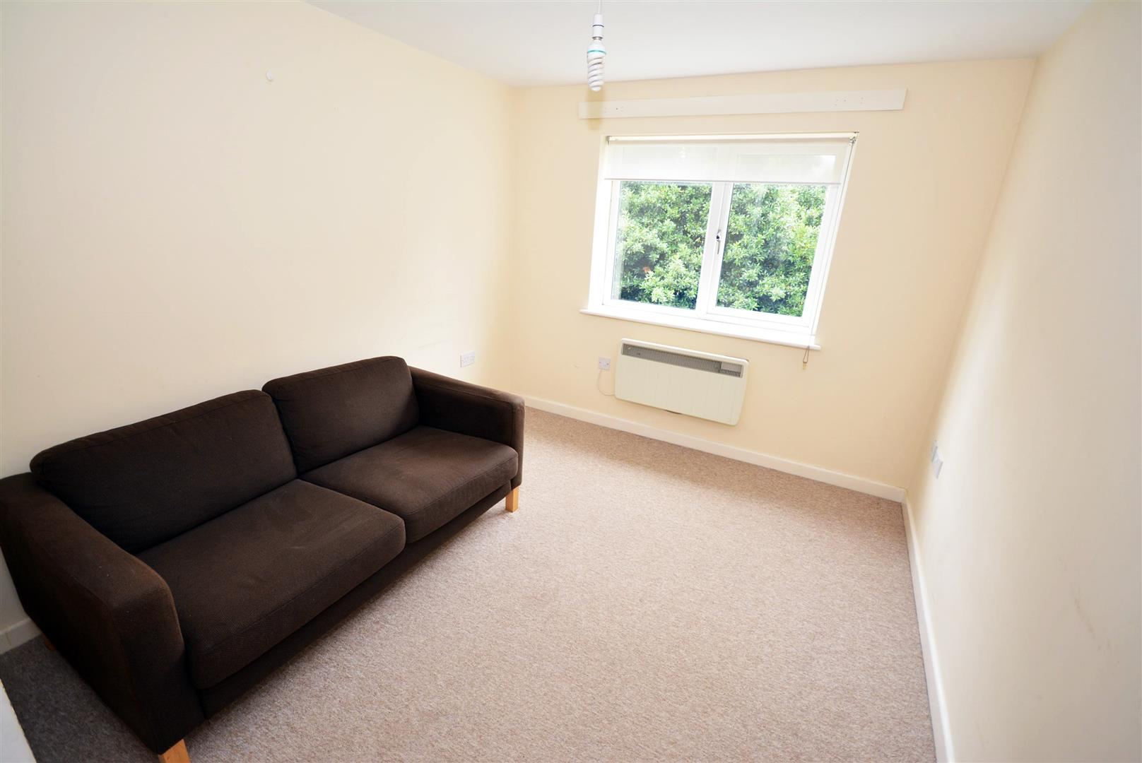 2 bed flat to rent in Bedford Street, Cardiff, CF24