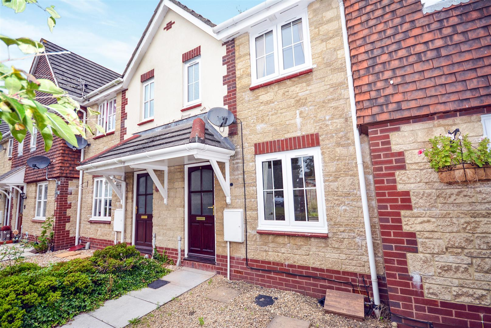 2 bed terraced house to rent in Raglan Mews, Newport, NP10