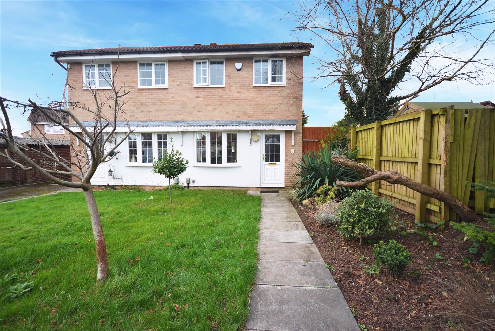 2 bed semi-detached house to rent in Caradoc Close, Cardiff, CF3