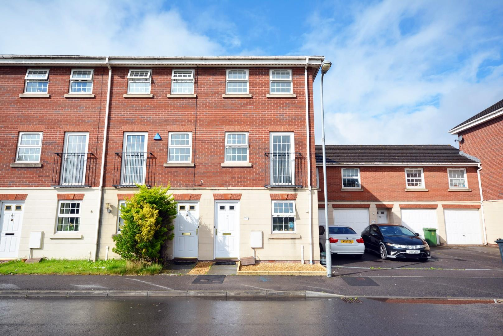 3 bed end of terrace house for sale in Beaufort Square, Cardiff, CF24