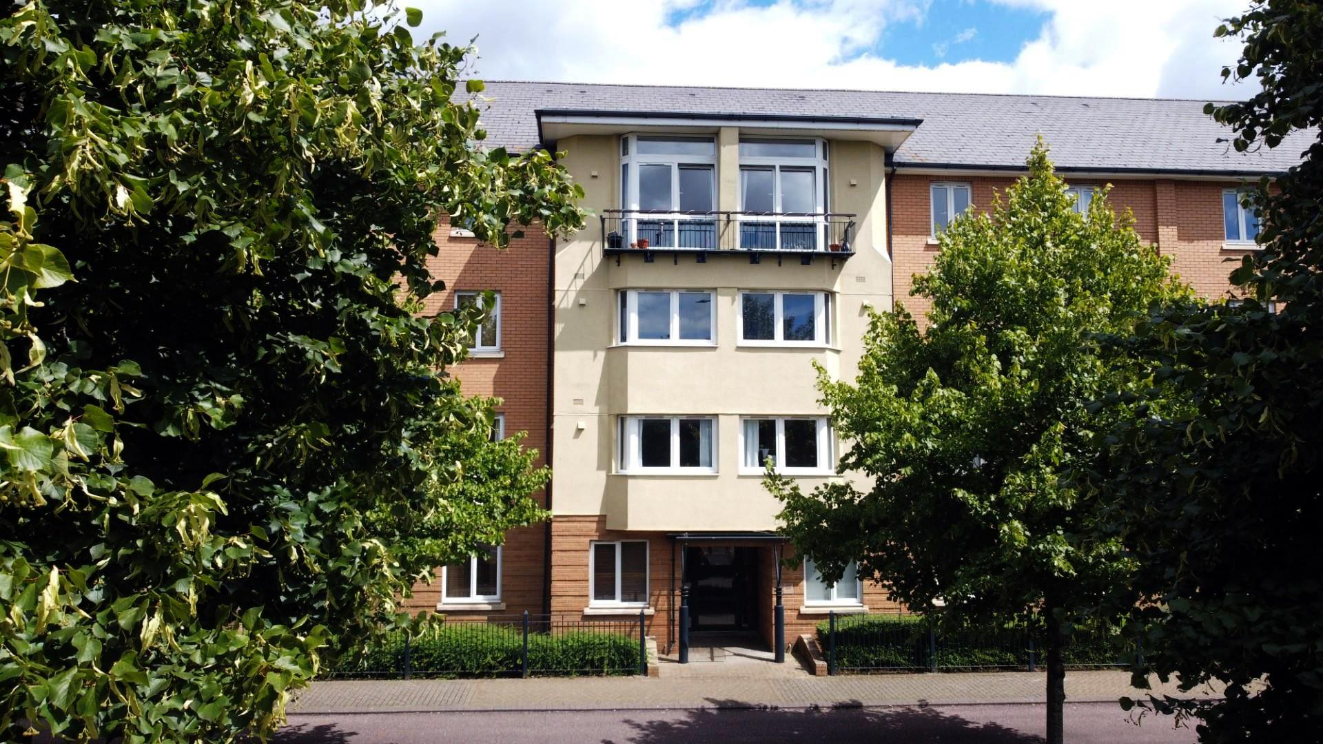 1 bed apartment for sale in Lloyd George Avenue, Cardiff  - Property Image 1