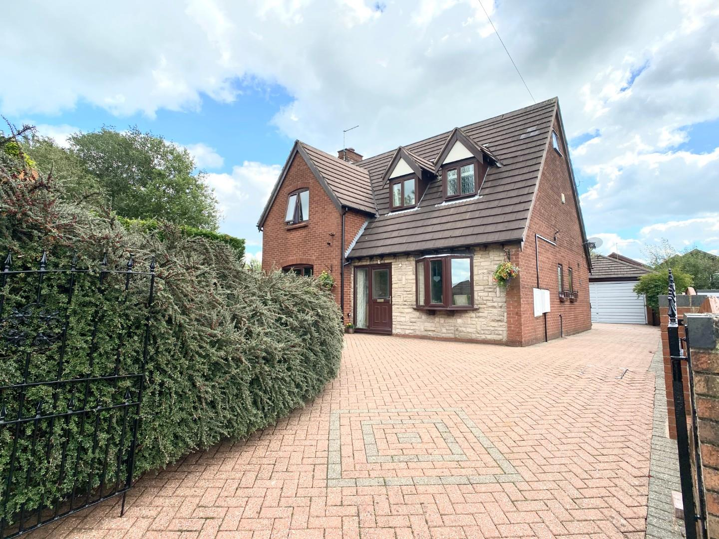 5 bed detached house for sale in Hillside Road, Stoke-On-Trent  - Property Image 1