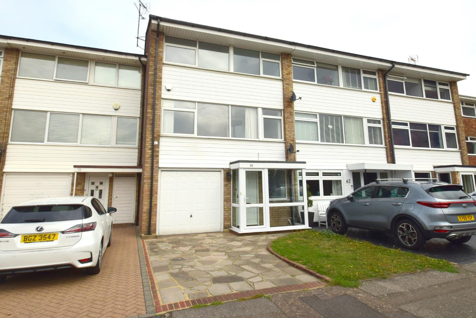4 bed terraced house to rent in Little Thorpe, Essex, SS1