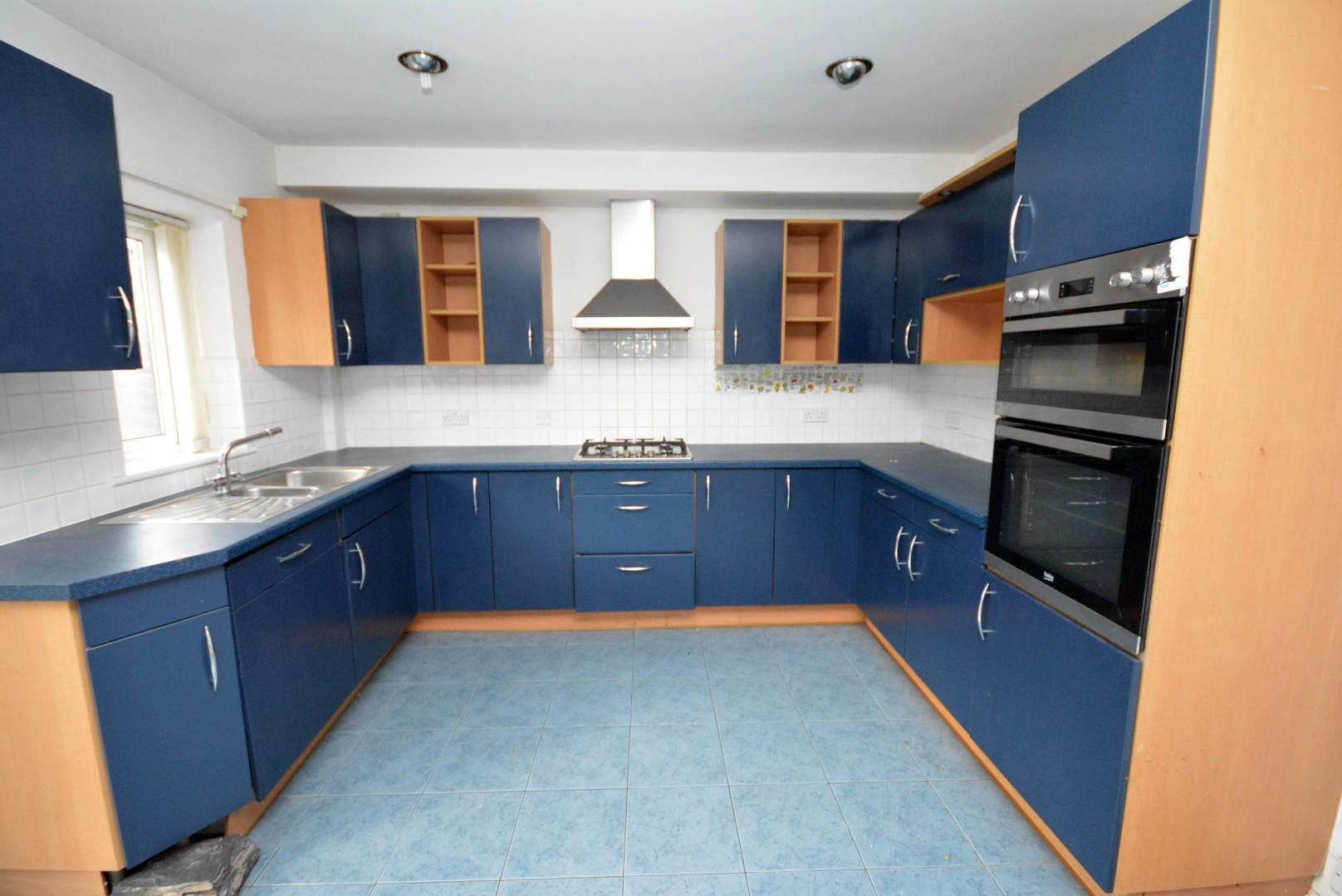 3 bed town house for sale in Adventurers Quay, Cardiff, CF10