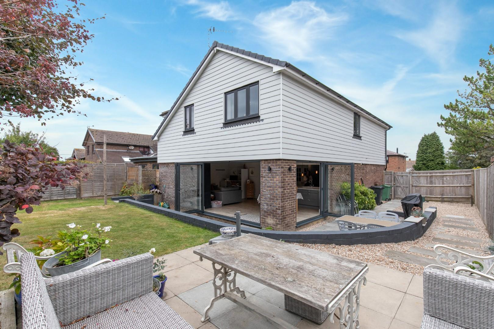 5 bed detached house for sale in The Hawthornes, Rye - Property Image 1