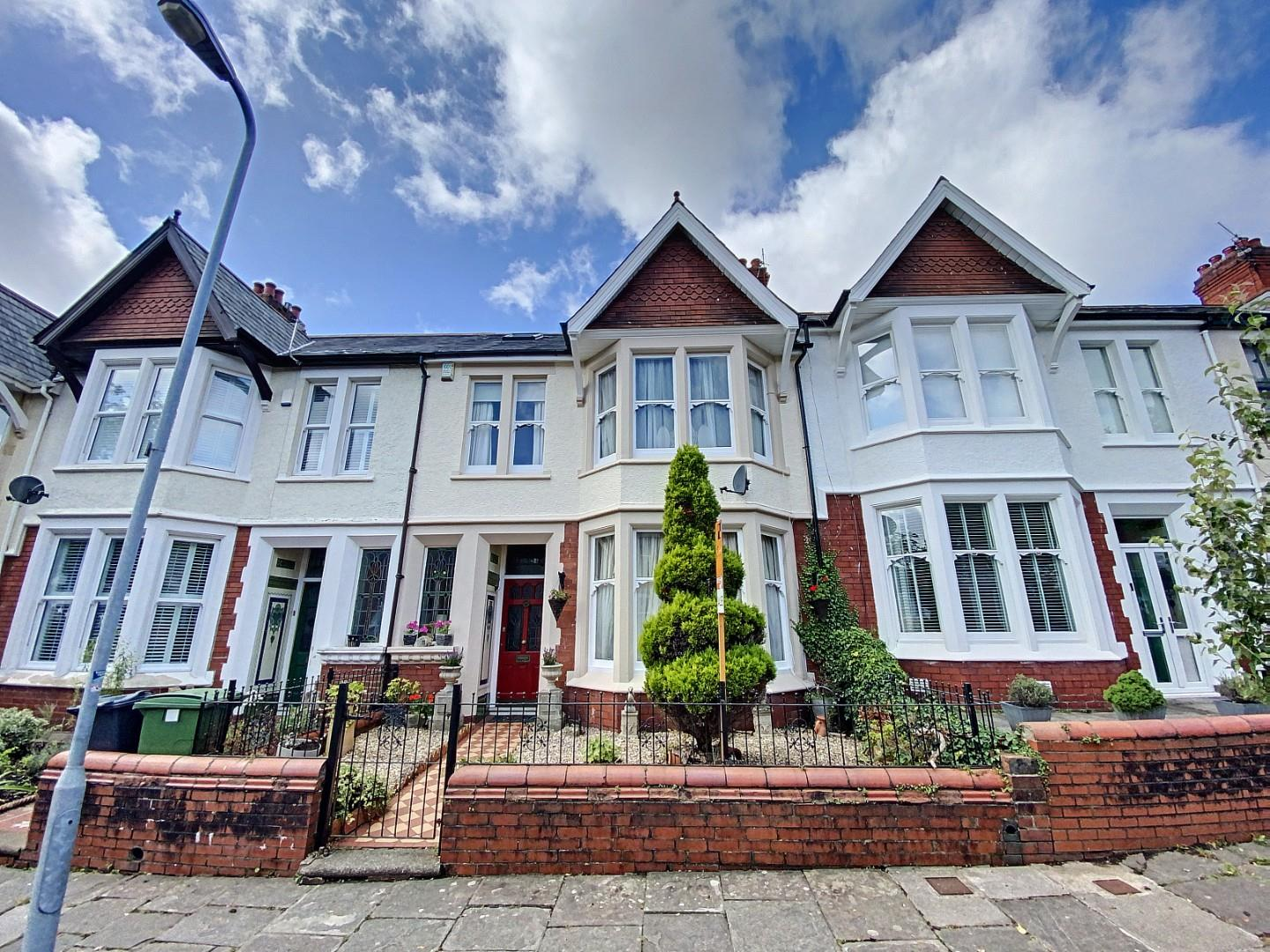 4 bed terraced house for sale in Pen-Y-Lan Terrace, Cardiff - Property Image 1