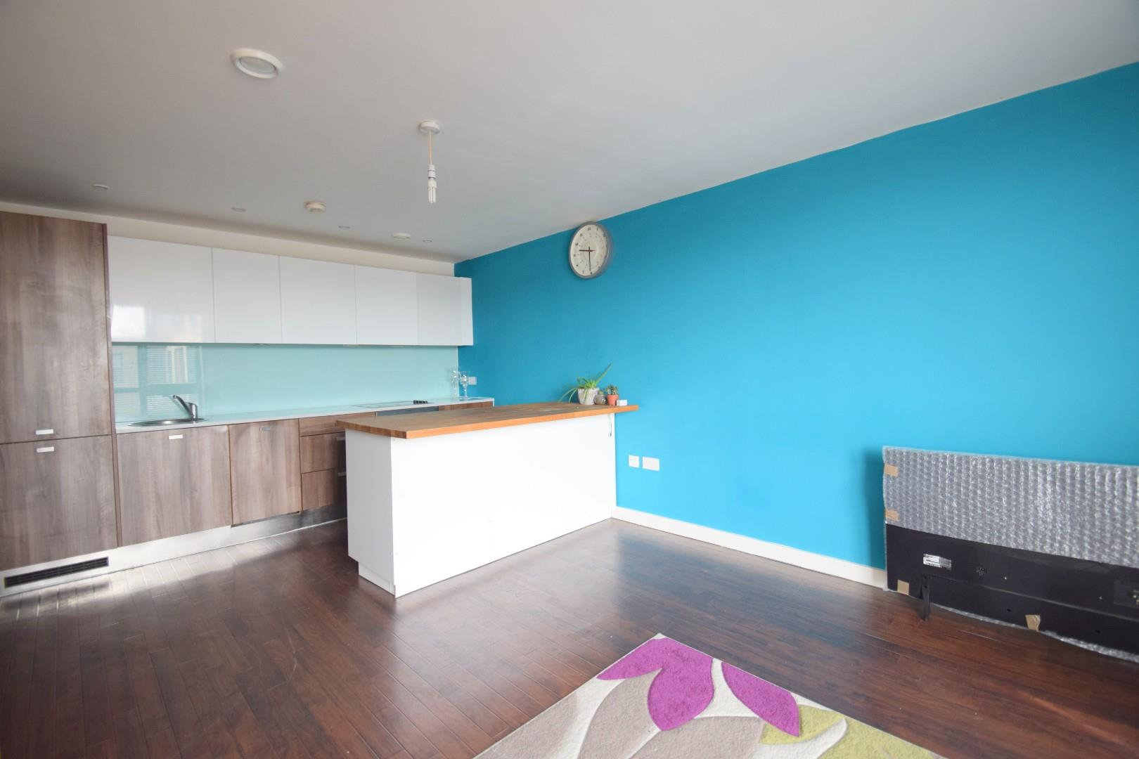 2 bed flat to rent in Southernhay, Basildon, SS14