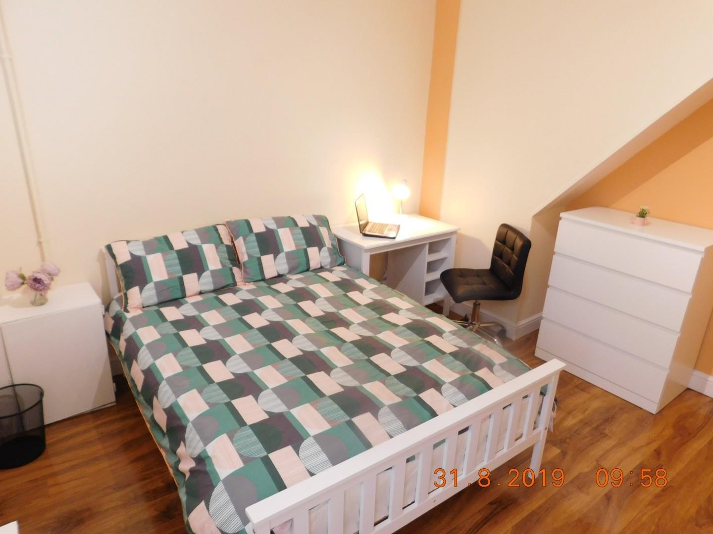 2 bed private halls to rent in Cauldon Road, Stoke-On-Trent, ST4
