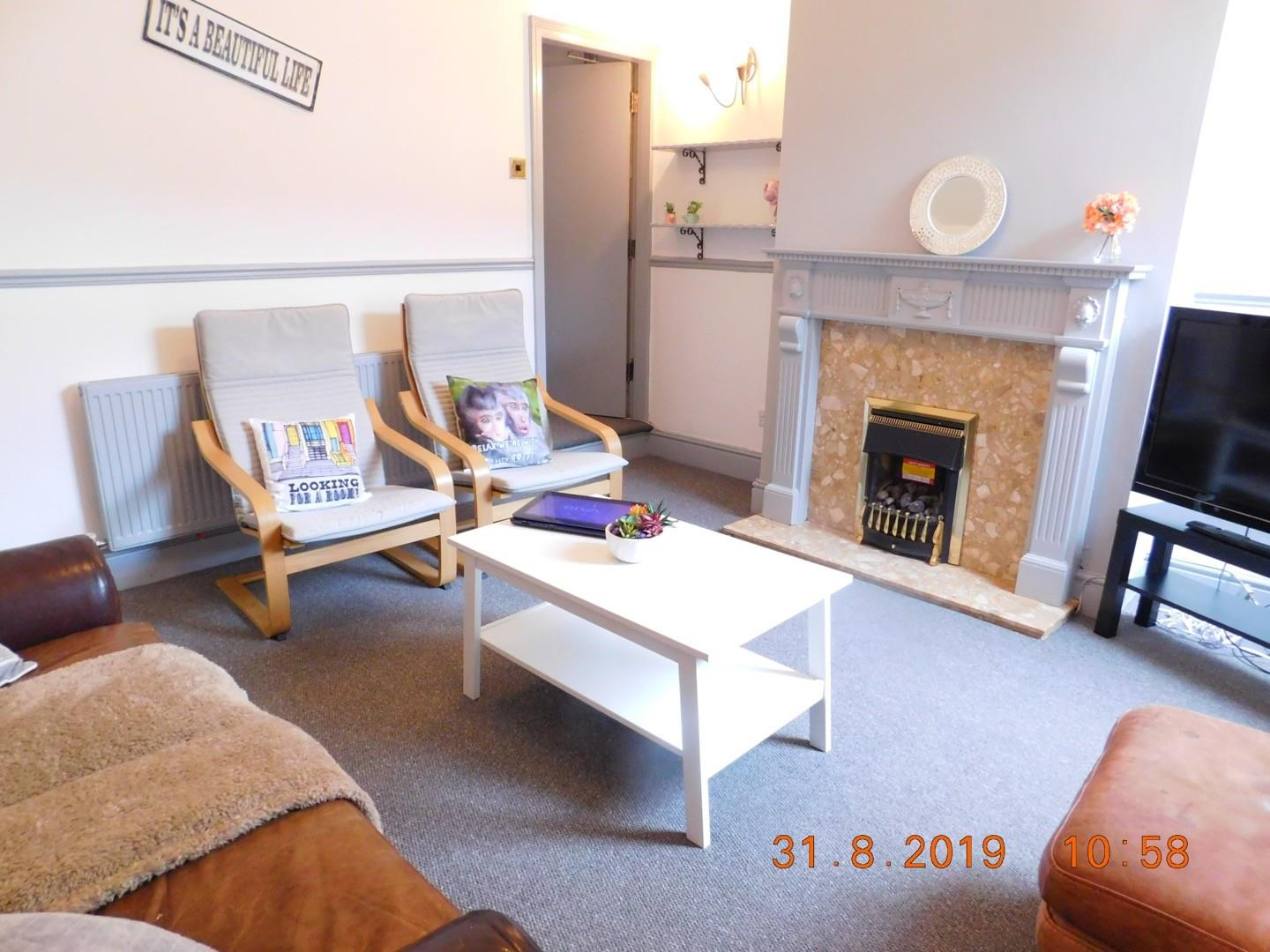 4 bed private halls to rent in Mellard Street, Newcastle-under-Lyme - Property Image 1