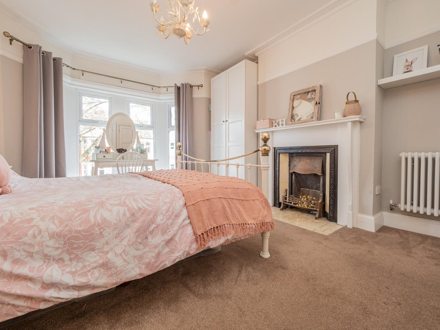 4 bed terraced house for sale in Southminster Road, Cardiff 5