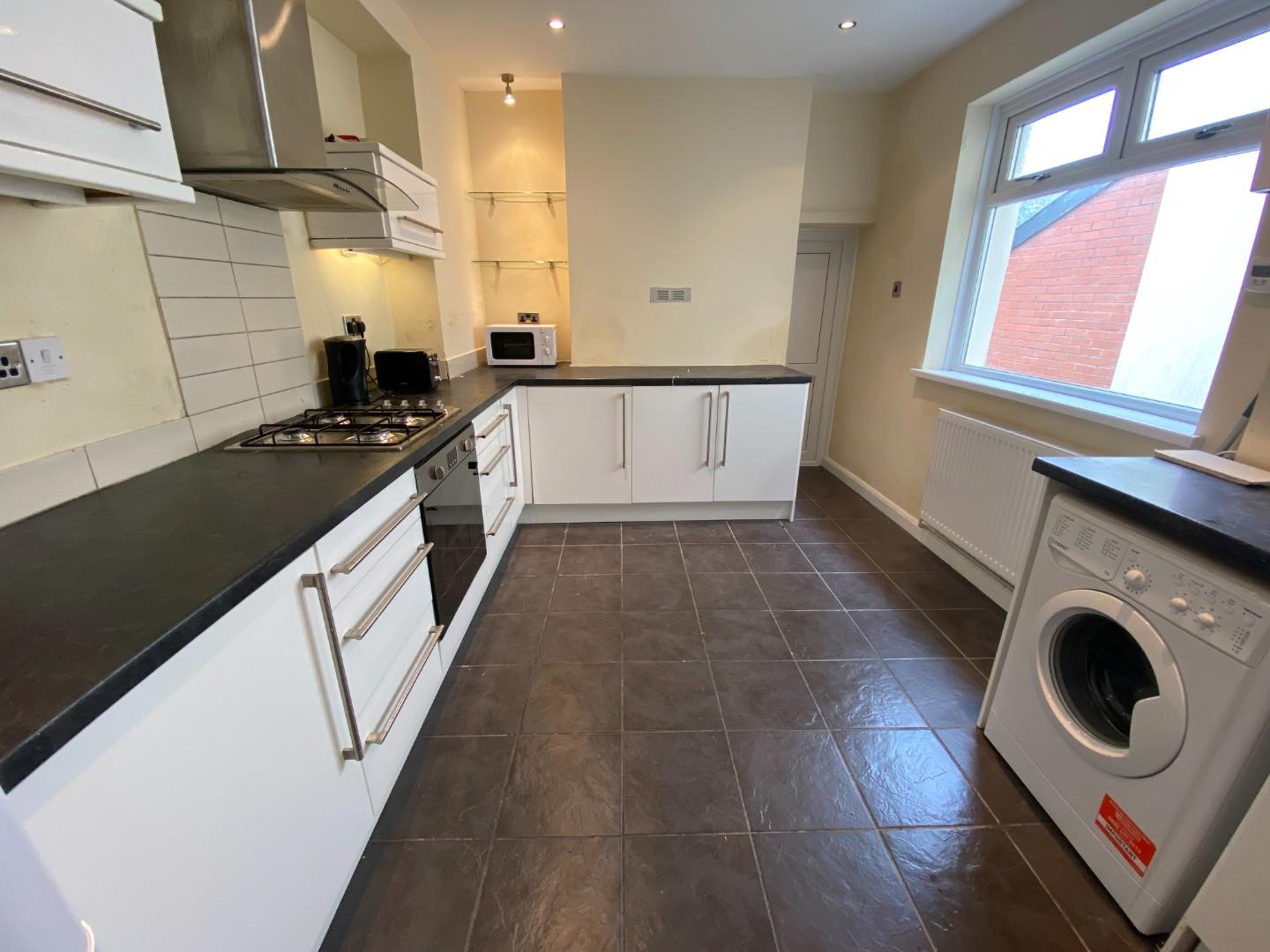5 bed terraced house to rent in Amherst Street, Cardiff, CF11