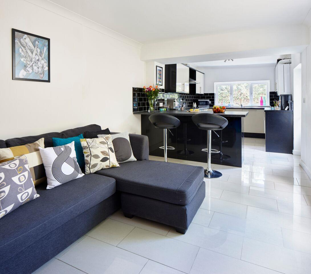 6 bed terraced house for sale in Glenroy Street, Cardiff  - Property Image 1