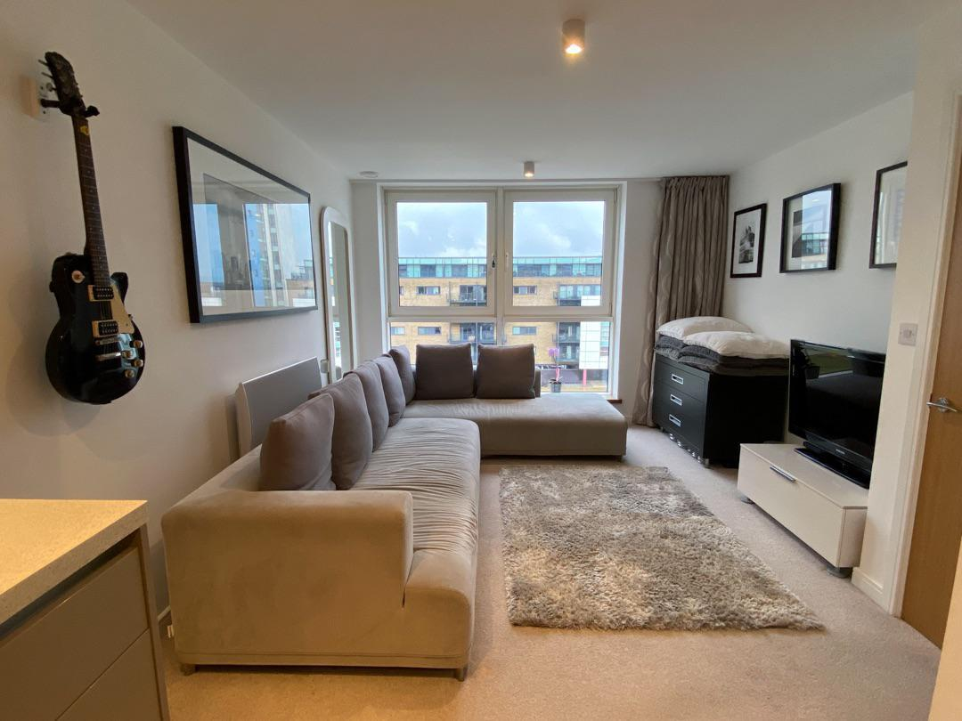 1 bed apartment to rent in Prospect Place, Cardiff Bay, CF11