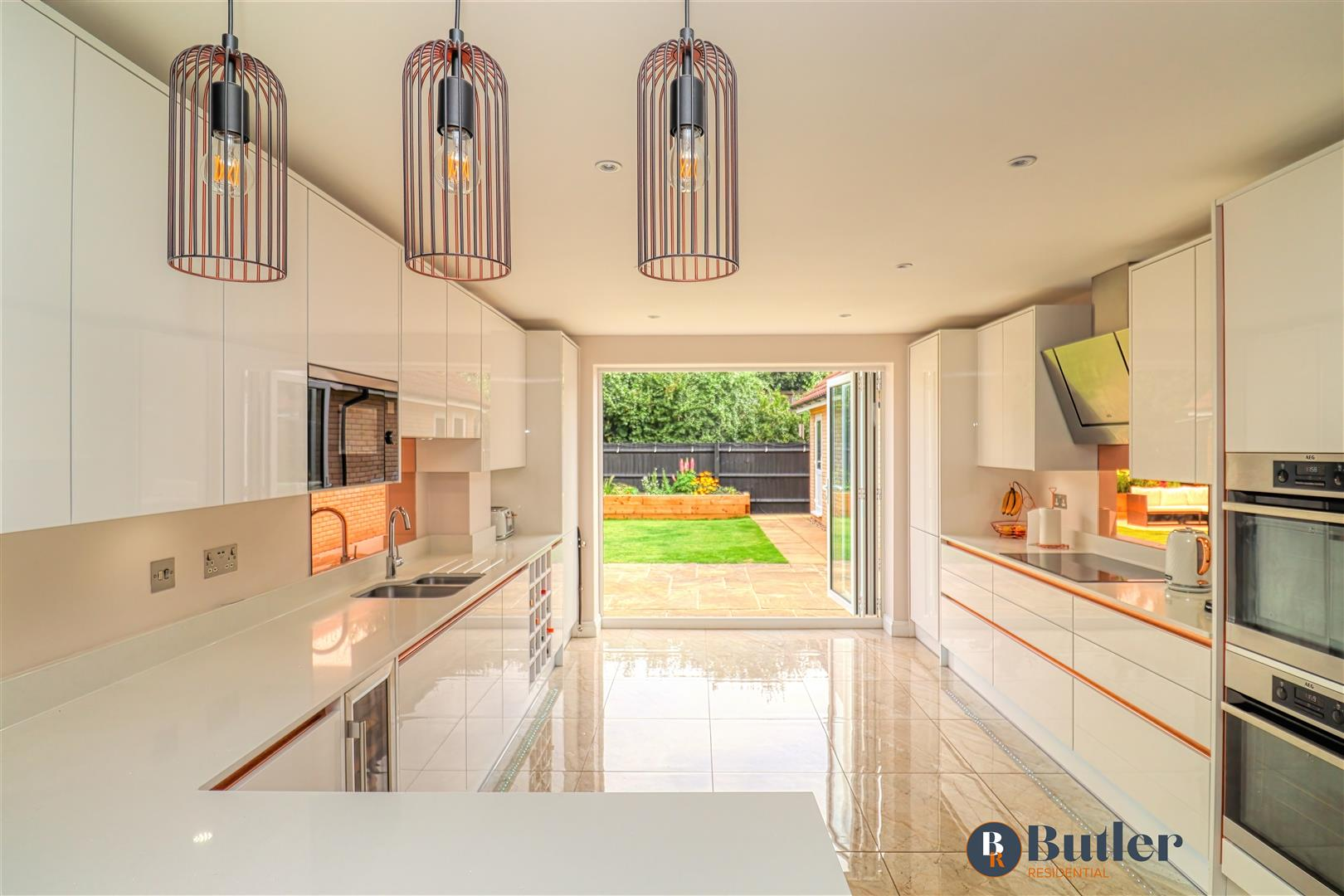 4 bed detached house for sale in Wren Terrace, Bedford  - Property Image 3