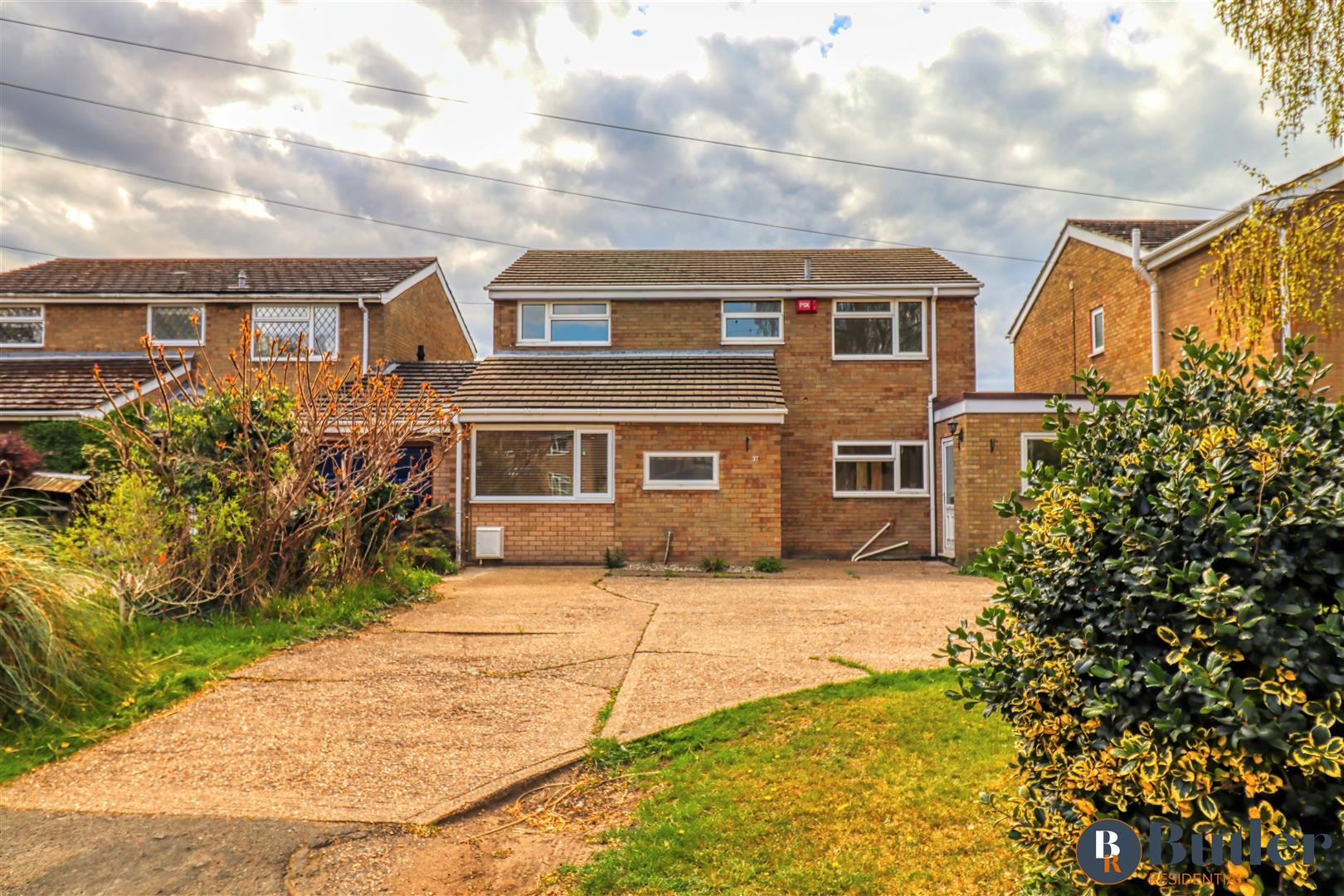 4 bed detached house for sale in Mill Road, St. Neots - Property Image 1