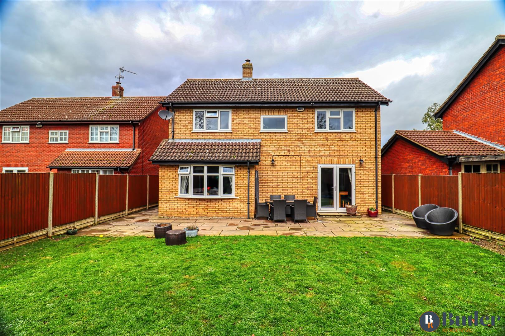 4 bed detached house for sale in Burrows Close, Shefford, SG17