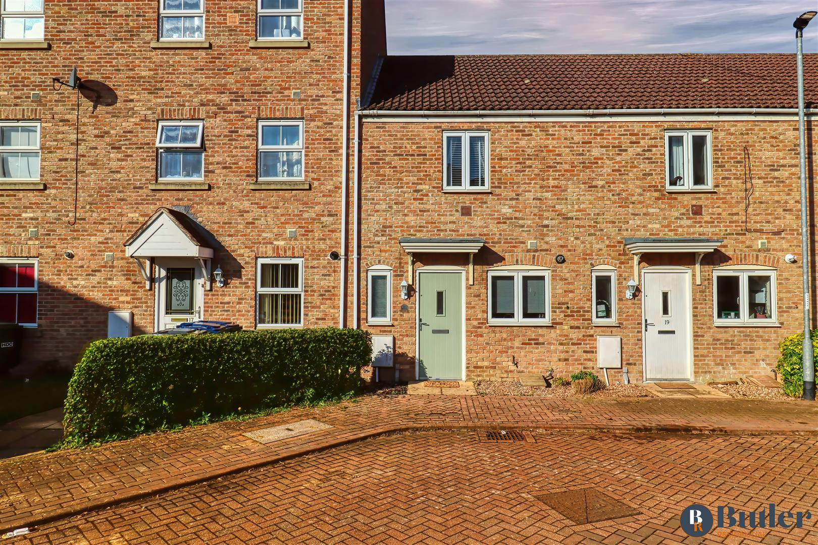 2 bed house for sale in Robertson Way, Huntingdon - Property Image 1