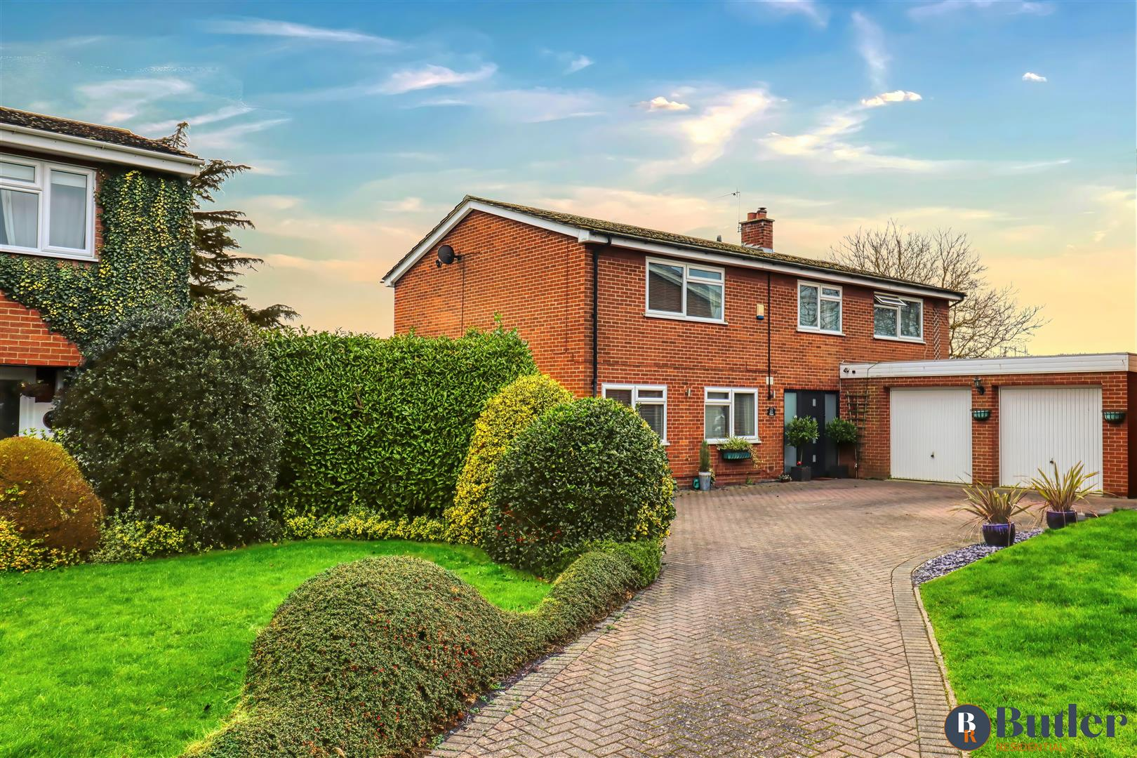 5 bed detached house for sale in The Osiers, St. Neots, PE19
