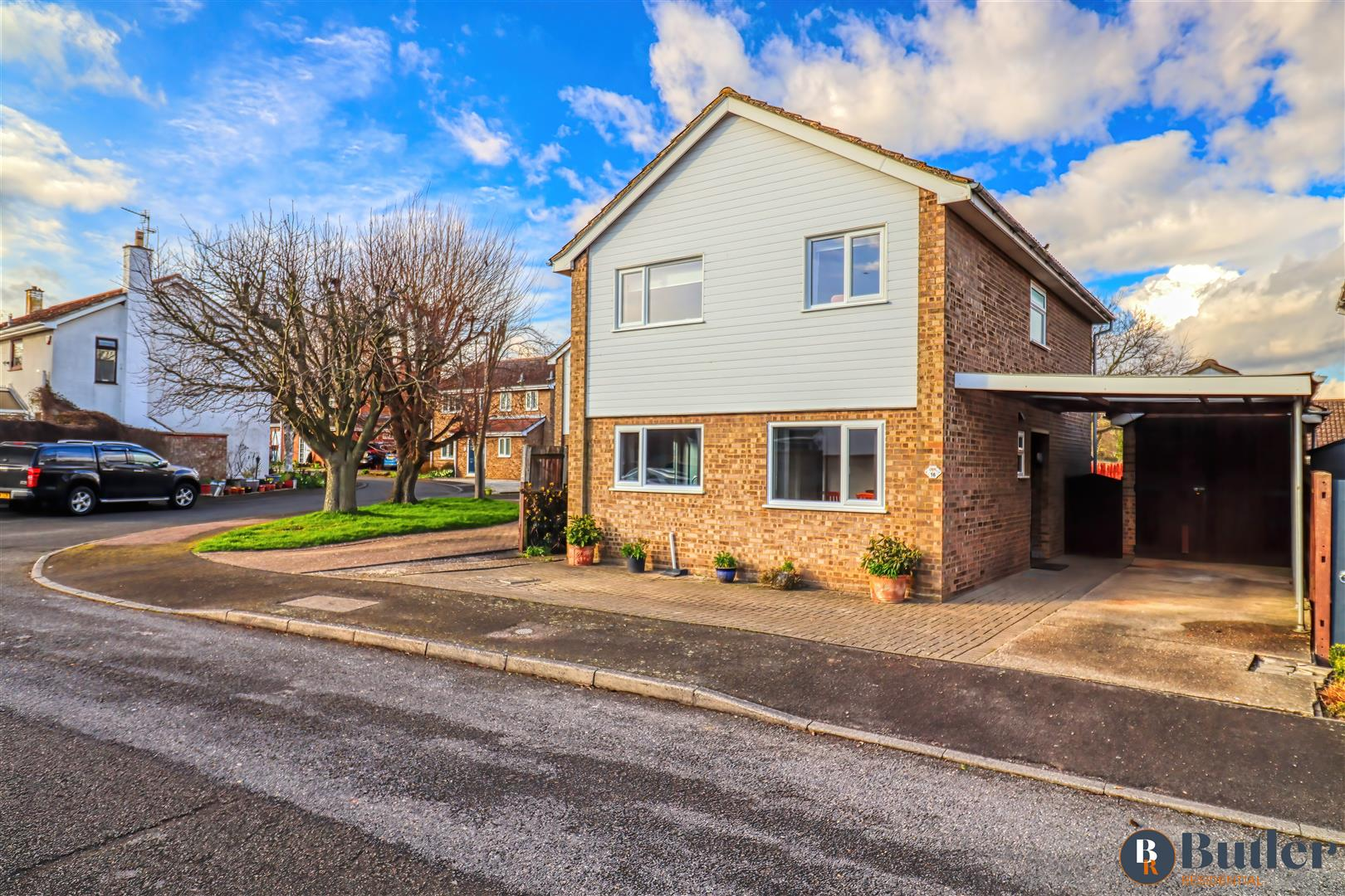 4 bed detached house for sale in Town Orchard, St. Neots - Property Image 1