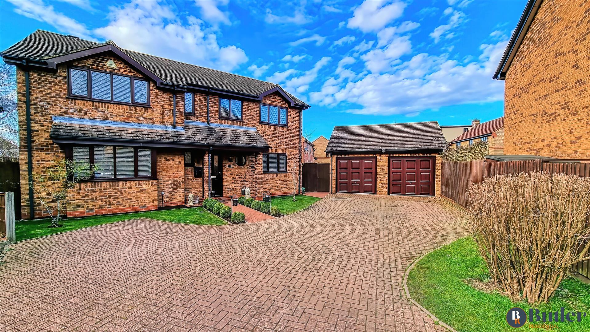 5 bed detached house for sale in Payne Road, Bedford - Property Image 1