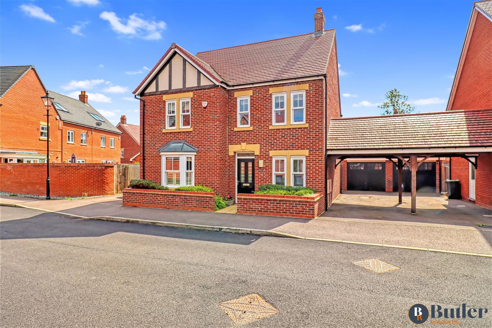 4 bed detached house for sale in Clover Way, Bedford, MK42