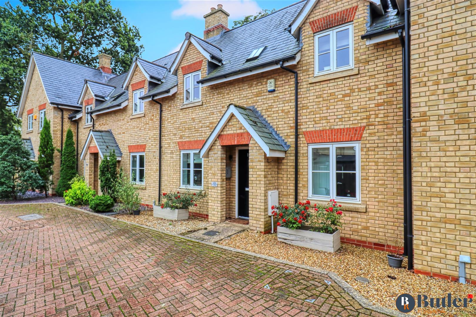 3 bed terraced house for sale in Stuart Court, Sandy, SG19