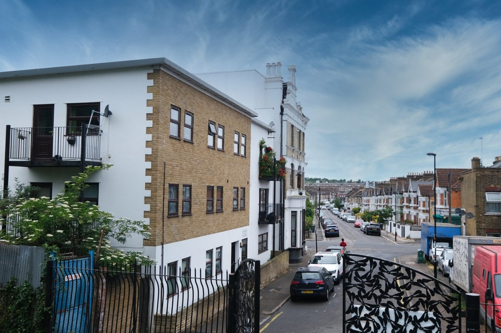 1 bed flat to rent in Laleham Road, Catford 9
