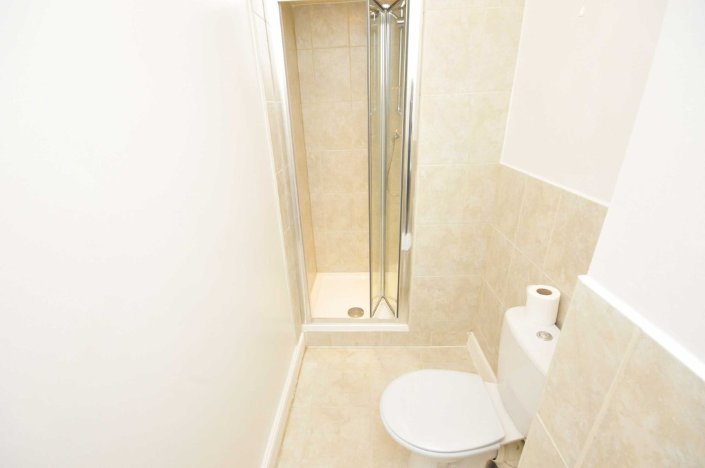 Flat to rent in Hither Green Lane, Hither Green  - Property Image 5