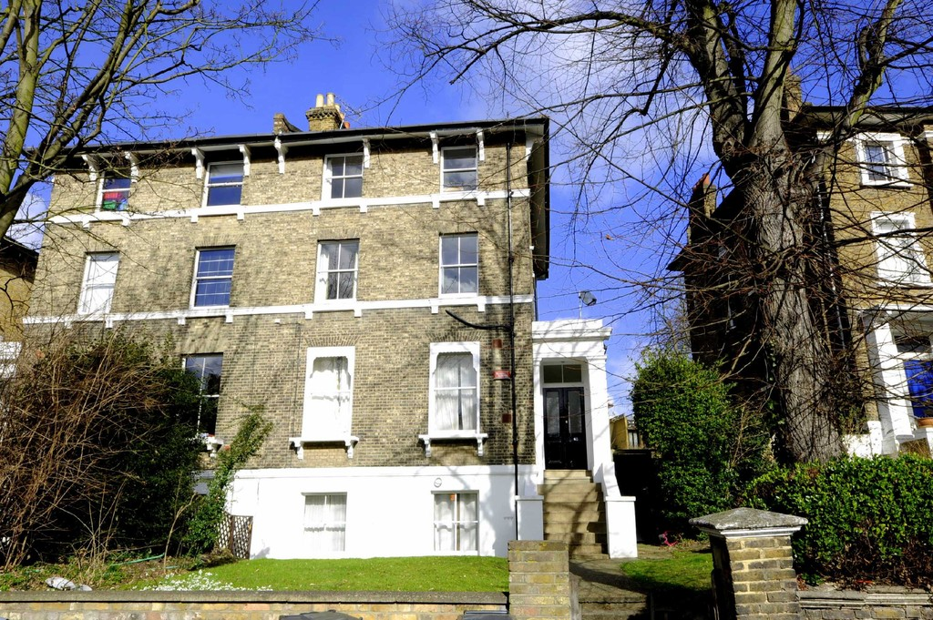 1 bed flat to rent in Granville Park, Blackheath 1