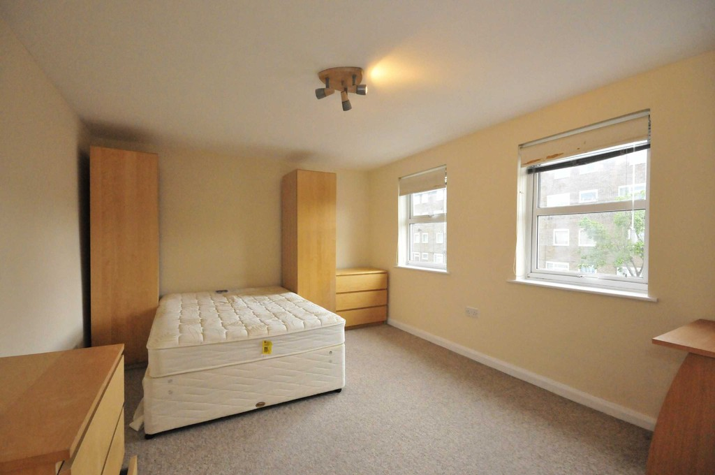 1 bed flat to rent in Knowles Hill Crescent, Lewisham 0