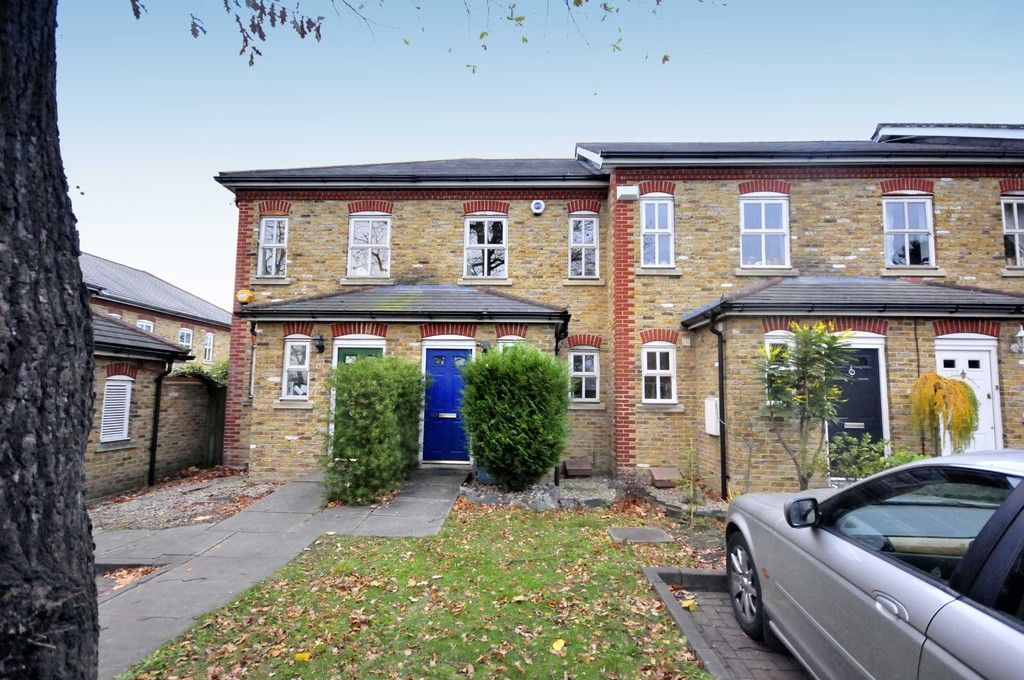 Mark Beaumont are delighted to offer this two double bedroom house comprising: Entrance hall ground floor cloakroom, fitted kitchen with white goods, two good size double bedrooms and family bathroom. The property also includes off street parking, a private rear garden, is opposite Mountsfield Park and located close to Hither Green Train Station as well as all the local shops.