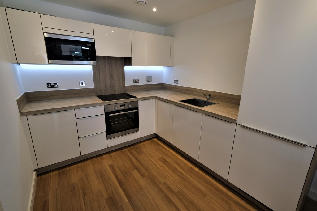 1 bed flat to rent in Roma Corte, Lewisham 0