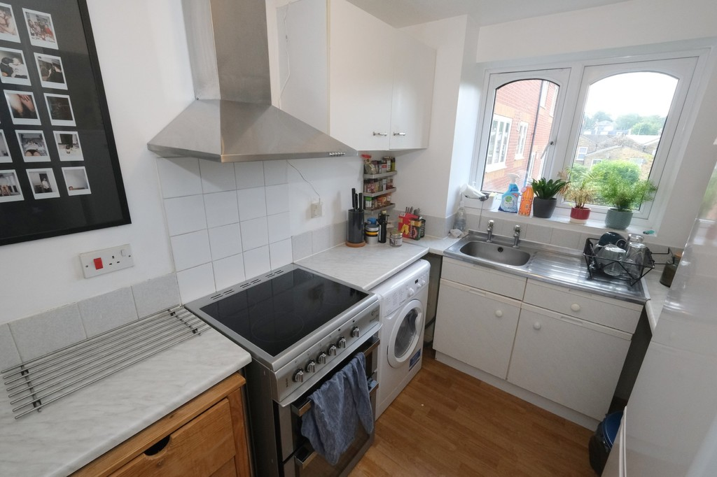 1 bed flat to rent in Armoury Road, Deptford 3