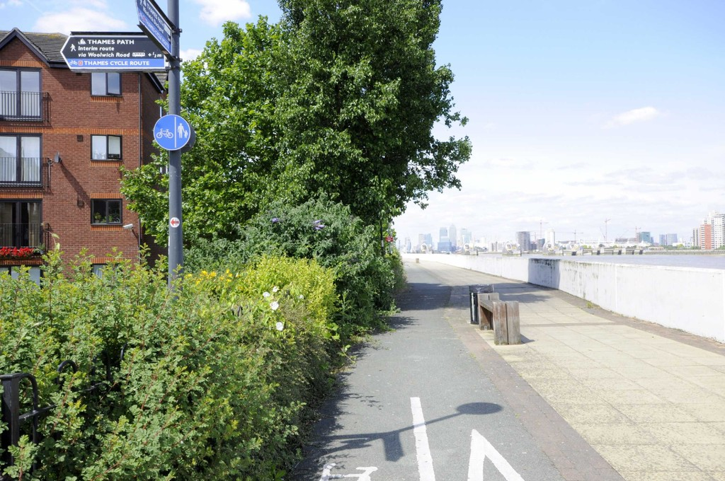 1 bed flat to rent in Tideside, Woolwich - Property Image 1