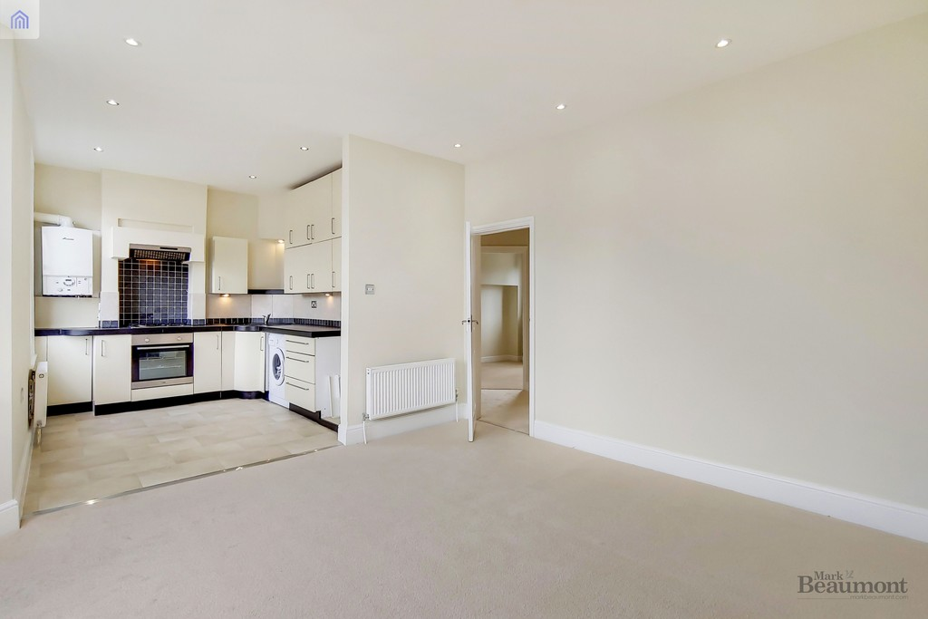 2 bed flat for sale in Hafton Road, Catford 1