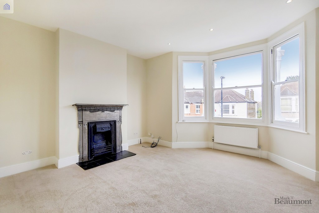 2 bed flat for sale in Hafton Road, Catford 2