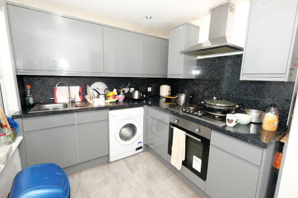 2 bed house for sale in Courthill Road, Lewisham  - Property Image 2