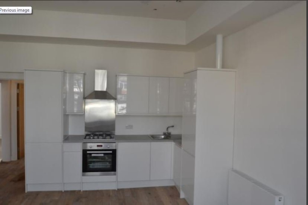 2 bed flat to rent in New Cross Road, New Cross 2