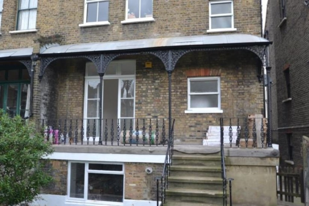2 bed flat to rent in New Cross Road, New Cross 7