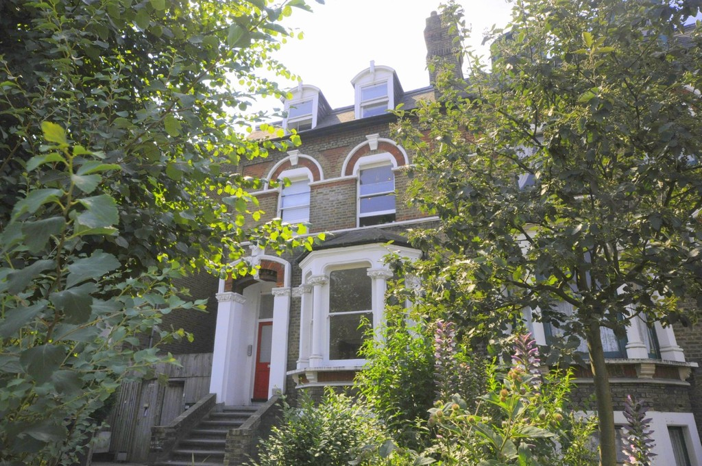 2 bed flat to rent in New Cross Road, New Cross 0