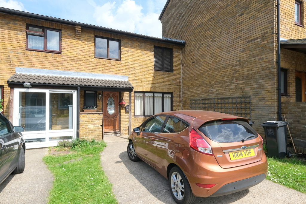 3 bed terraced house for sale in Melrose Close, London  - Property Image 1
