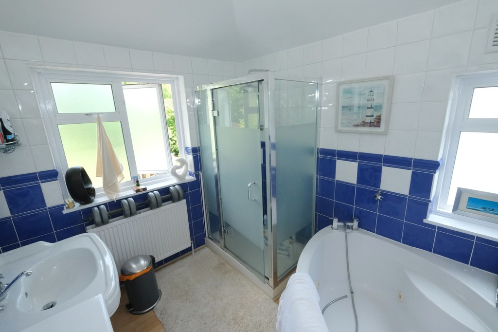 3 bed house for sale, Lee  - Property Image 11
