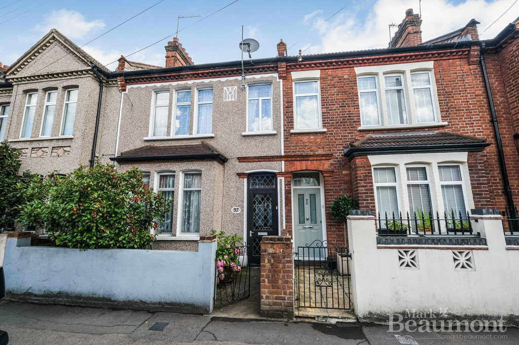 3 bed house for sale in Whitburn Road, London - Property Image 1