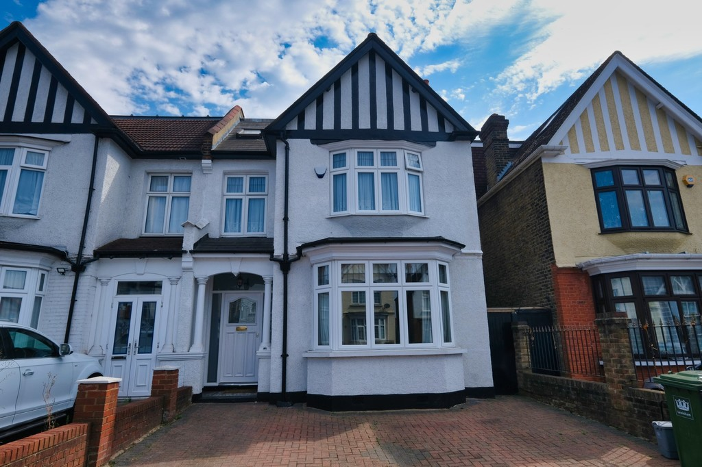 6 bed house for sale in Bellingham Road, London 0